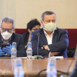 Болният от COVID-19 Хасан Адемов е добре, чувствал се нормално