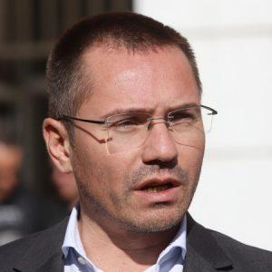 Джамбазки: Ние сме ВМРО, а не клуб по везане на гоблени