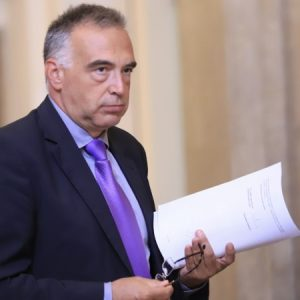 Кутев: Няма обезглавяване на институции, а политическа смяна
