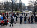Неделното хоро: Не пред Народния театър, а до бившия мавзолей