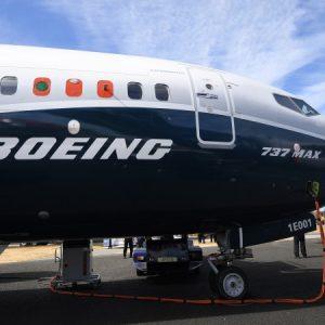 Нови драми с Boeing 737 Max: Електрически проблеми отново го заземиха