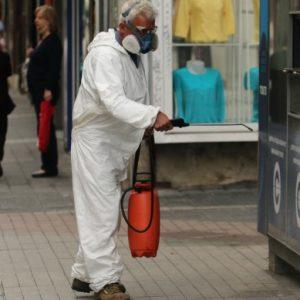 Продължават да дезинфекцират спирки и подлези в София