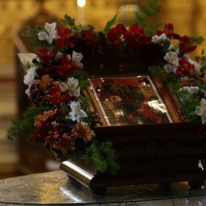 Цветница е! Хиляди българи празнуват имен ден