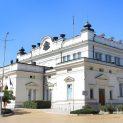 Шарен парламент при избори днес: Слави и ДБ вместо Патриотите