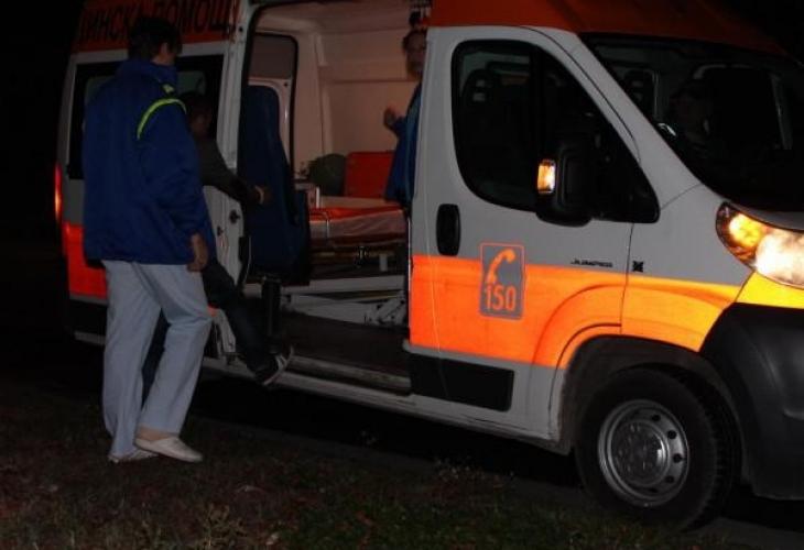 Зверска катастрофа на Околовръстното в София, режат кола, за да извадят ранени, движението е спряно