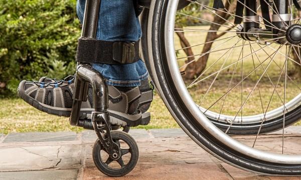 12-годишно момче в инвалидна количка пострада при пожар