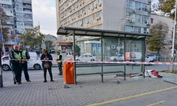 След инцидента във Варна: Обезопасени ли са спирките в София?
