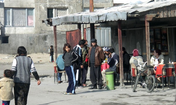 Комисар по човешки права ни мъмри: Зачитайте ромите