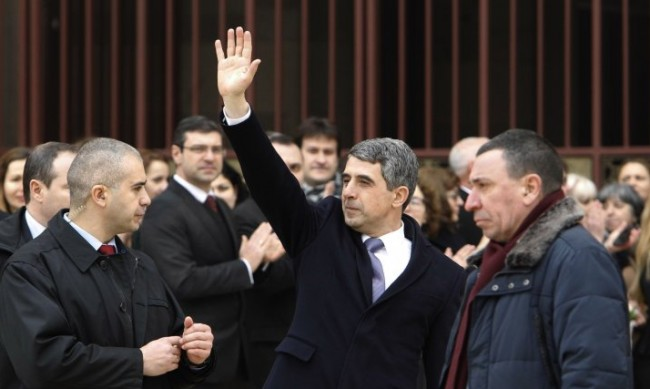 Плевнелиев: Кабинетът работи за преизбирането на популиста Радев!