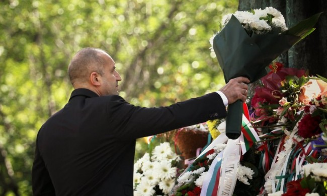Радев: Българското читалище - духовна институция без аналог