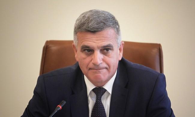 Янев освободи трима заместник-министри